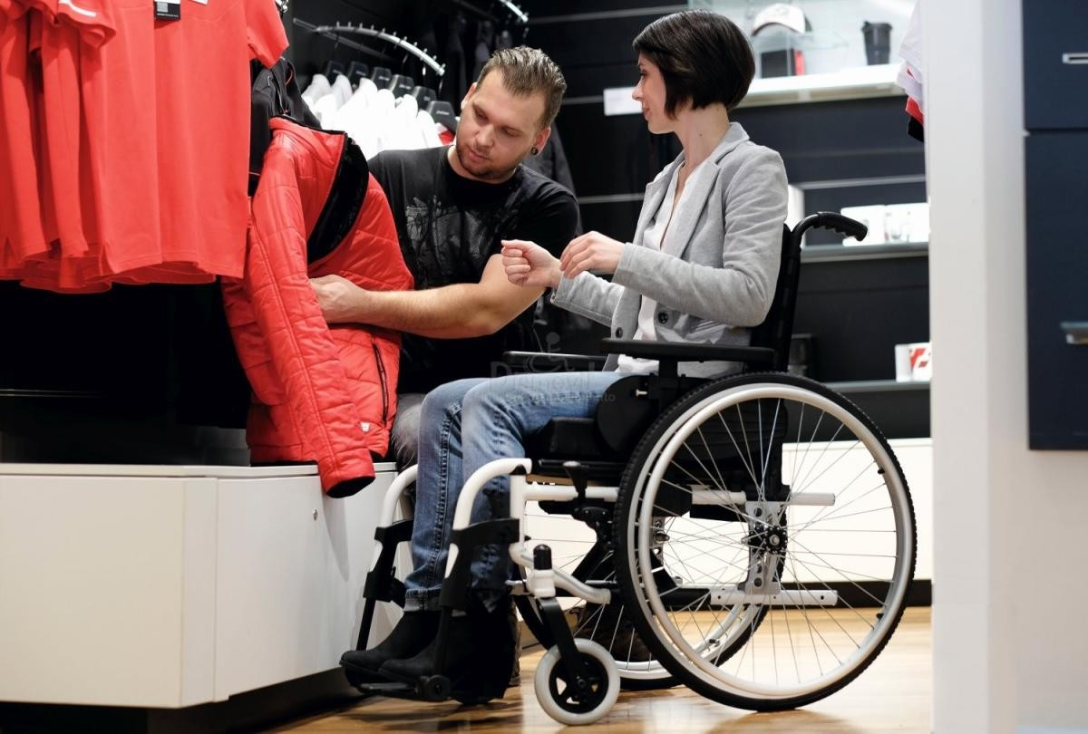 Ultimate Guide to Buying the Right Manual Wheelchair