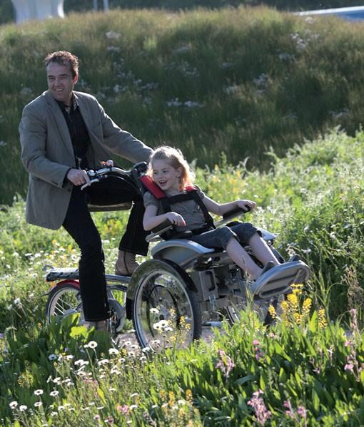 Bicis con silla de ruedas. Qué gran idea!