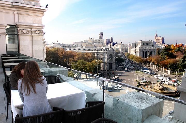 Adolfo Palacio Cibeles. Comerse Madrid desde el Cielo..