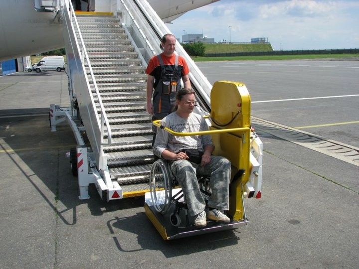 Viajar en avión con scooter o silla de ruedas.