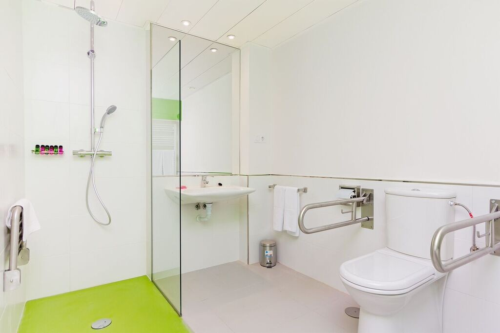 Wheelchair Holiday Rental Apartment in Madrid