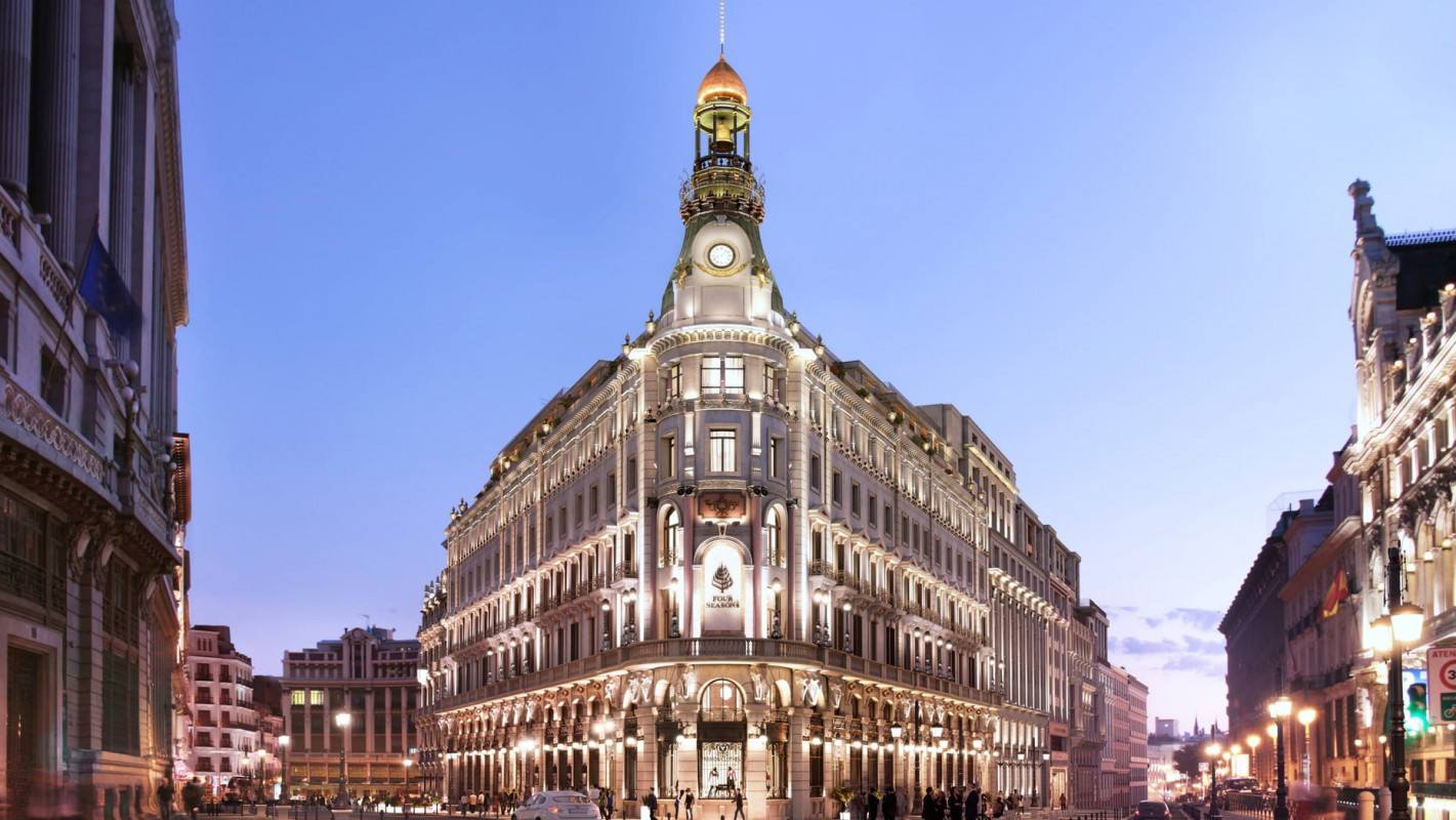 Fachada Principal Four Seasons Hotel Madrid