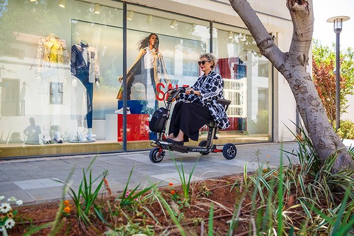 Moving Life Atto Sport scooter de movilidad plegable