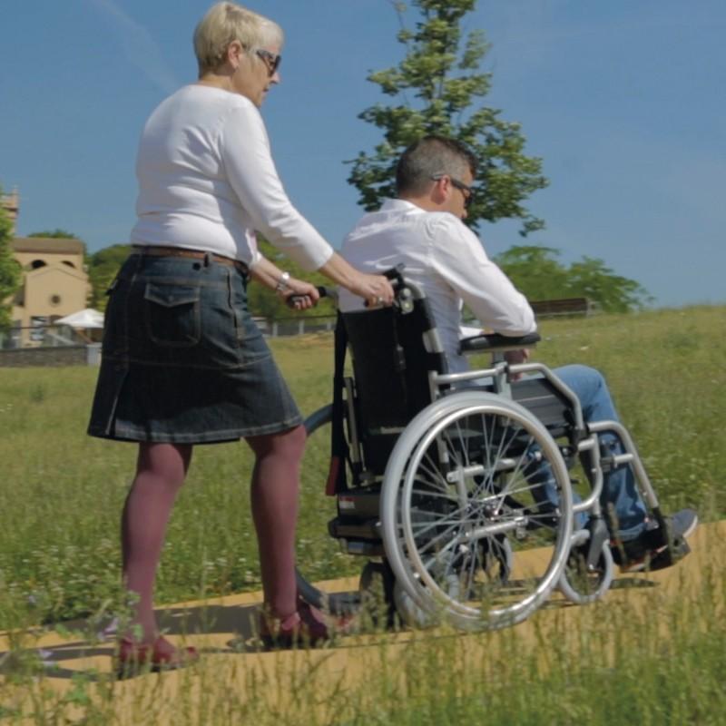 S-Drive Sistema electrónico para el acompañante de sillas de ruedas manuales