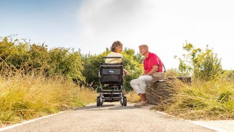 Invacare Kompas silla de ruedas eléctrica con plegado manual