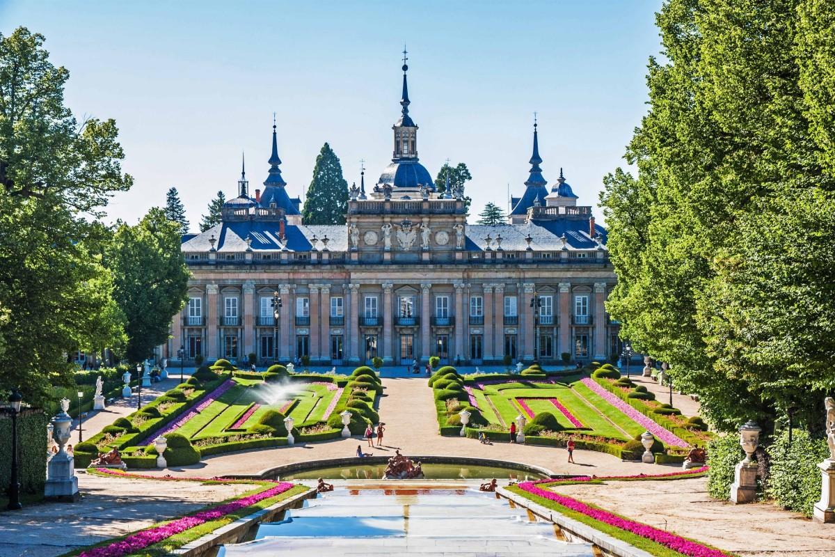 Private accessible tour in La Granja and Segovia